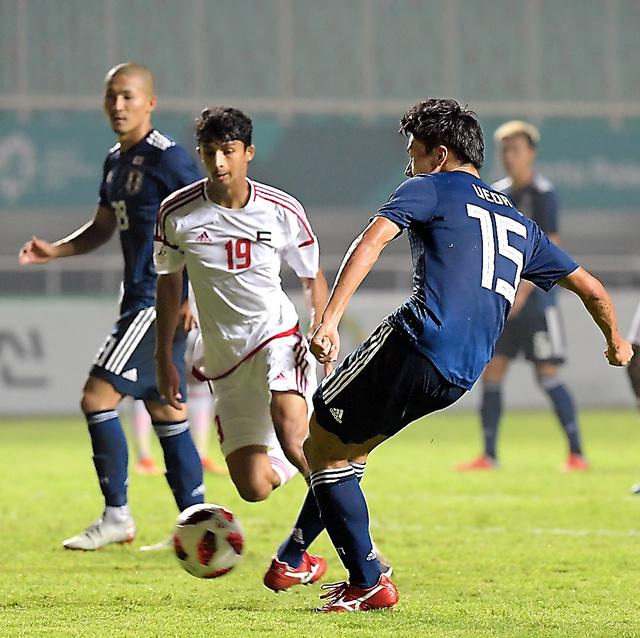 後半、先制ゴールを決める上田(15)=加藤諒撮影