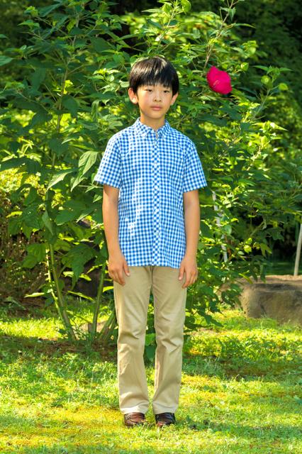 12歳の誕生日を迎えた秋篠宮ご夫妻の長男悠仁さま(8月10日、東京・元赤坂の赤坂御用地、宮内庁提供)