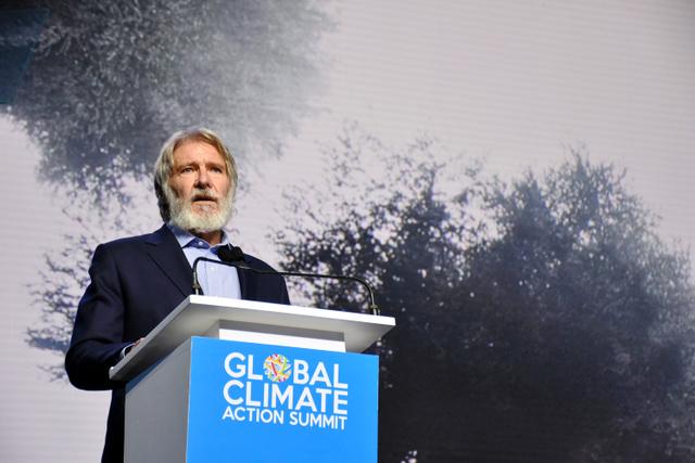 グローバル気候行動サミットに登壇し、「今我々の針路を変えなければ、人類の未来が危機に陥る。科学を信じないような指導者を選ぶのはやめよう」と話す俳優のハリソン・フォード氏=13日、サンフランシスコ、香取啓介撮影