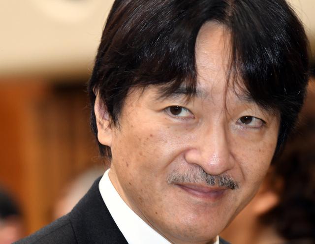 水産功績者表彰式に出席した秋篠宮さま=2018年11月29日午前、東京・赤坂、迫和義撮影
