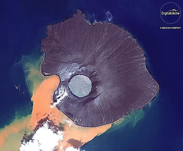 「アナククラカタウ」の衛星写真