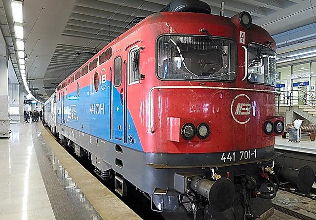 ハンガリーとセルビアを結ぶ列車=ベオグラードセンター駅