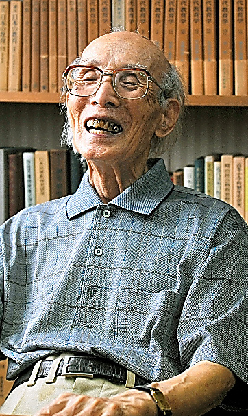 「人間が生きている限り学び続け、支え合う社会。そんな夢に生かされています」と話していた大田堯さん=2011年