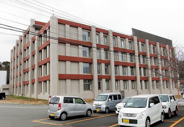 2013年に新築された徳島病院の病棟=吉野川市鴨島町