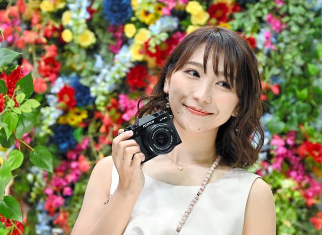 富士フイルムの新製品X-T30=28日、横浜市のパシフィコ横浜