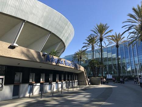 会場となった米国・アナハイムのコンベンションセンター。ディズニーランドのすぐそばにあります。