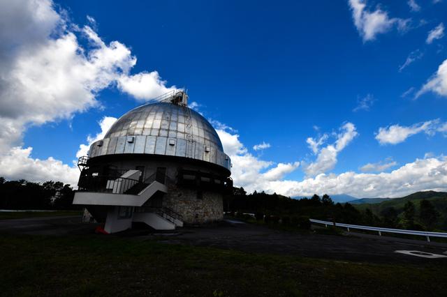 105cmシュミット望遠鏡が収まるドーム=長野県木曽町、東山正宜撮影
