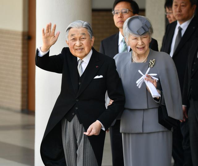 天皇、皇后両陛下=3月26日、奈良県橿原市、山本裕之撮影
