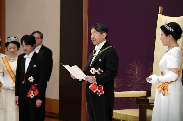 【詳報】皇后雅子さま晴れやか 新天皇陛下が即位儀式 [令和]:朝日新聞デジタル