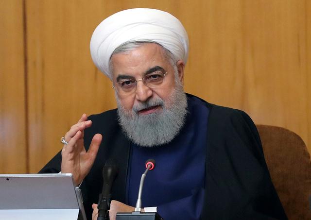 テヘランで8日、核合意について話すロハニ大統領(AP)