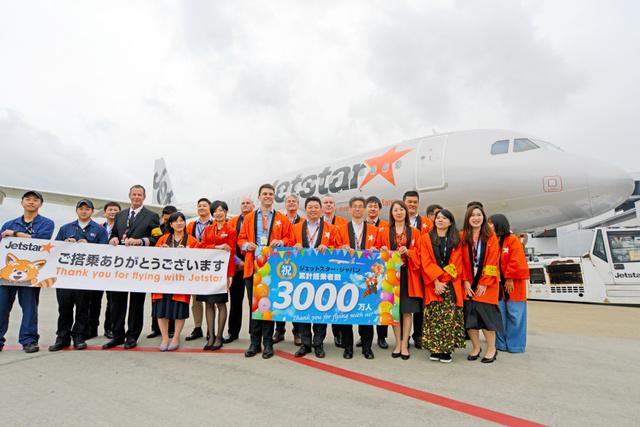 就航6年10カ月で、利用者の累計が3千万人を突破したジェットスター・ジャパン=2019年5月14日午後3時47分、千葉県成田市の成田空港、根岸敦生撮影