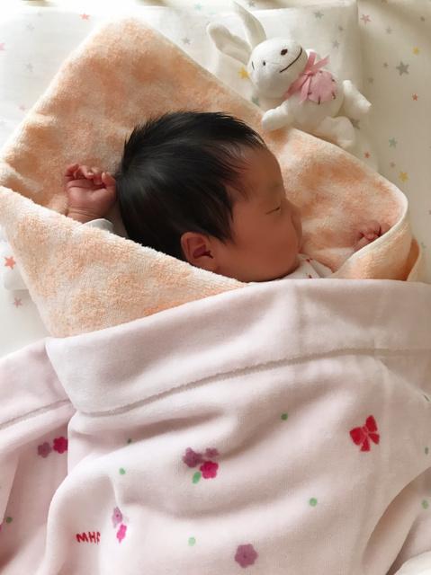 今年3月に生まれた長女=矢田真紀さん提供