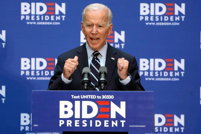 11日、ニューヨークで外交政策について演説するバイデン前副大統領=ロイター
