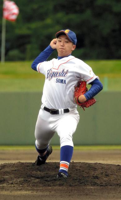 田島-相馬東 力投する相馬東の鈴木海恵投手=白河グリーン