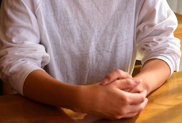 乳がんを経験した女性=和歌山市