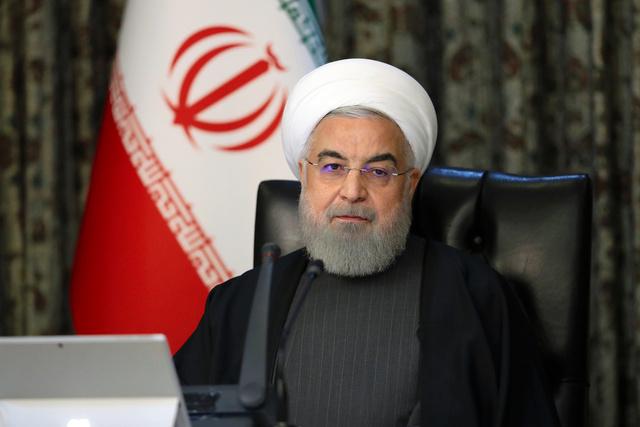 2020年3月18日、閣議に臨むイランのロハニ大統領。イラン大統領府提供=AP