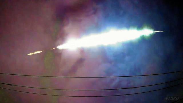 関東上空で見られた火球=2020年7月2日午前2時32分ごろ、KAGAYAさん撮影の動画から