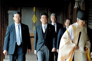 朝日記者、安倍首相との向き合い方 一度断った単独取材