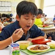 栃木で給食に和牛サイコロステーキ 「毎日でもいい」