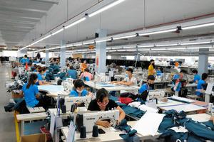 中国の生産拠点、奪うベトナム コロナともう一つの理由