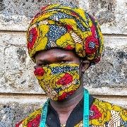 マスク楽しむアフリカ 生活苦しくても「伝統大事に」