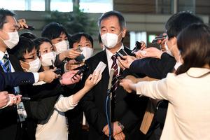 菅首相、記者対応も異例だった 番長の朝ぼらけダッシュ