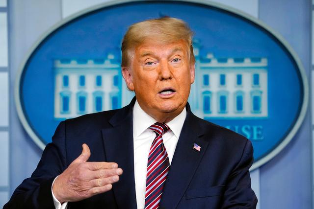 5日、ホワイトハウスの会見で話すトランプ米大統領=AP。大統領選での敗北が確実になってから、トランプ氏は対外的に発言をしていない