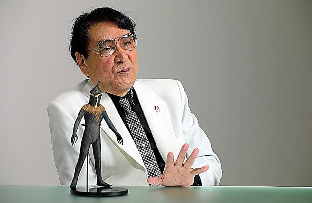 コロナ禍の今年、脳裏に浮かんだのは「ウルトラQ」で演じたケムール人だったという=東京・渋谷の円谷プロダクション
