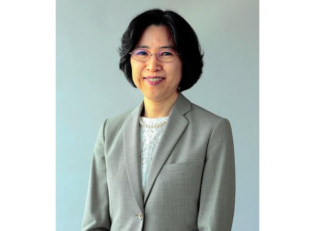 宗像直子氏。経済産業省時代、シンガポールとの間で日本初のFTAの立ち上げやTPPへの参加、交渉にかかわった(本人提供)