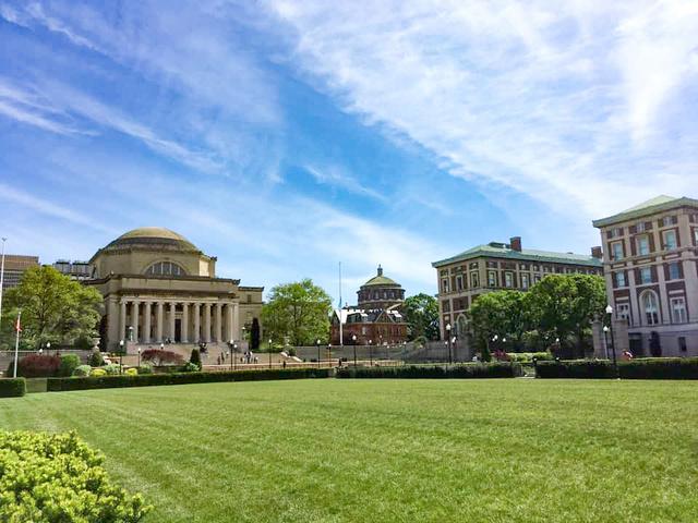 2020年5月、新型コロナウイルスの感染拡大で人影が減ったコロンビア大学のキャンパス=ニューヨーク(彦谷貴子さん提供)