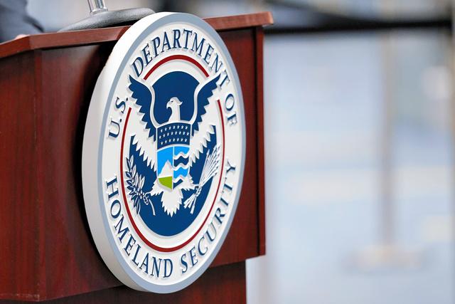 国内テロ対策を担う国土安全保障省のエンブレム=AP