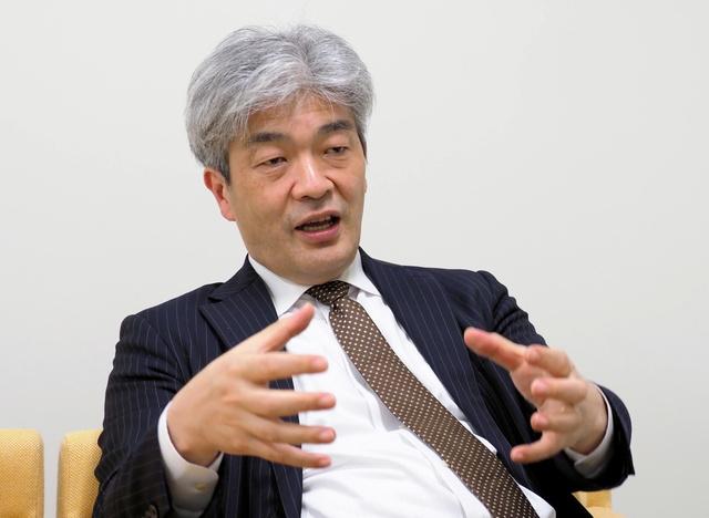 鈴木一人・東京大学公共政策大学院教授=2021年5月18日、東京都文京区・東京大学、吉岡桂子撮影