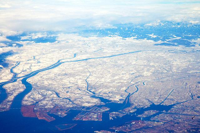 大雪となった東海地方。2005年12月、朝日新聞社機から
