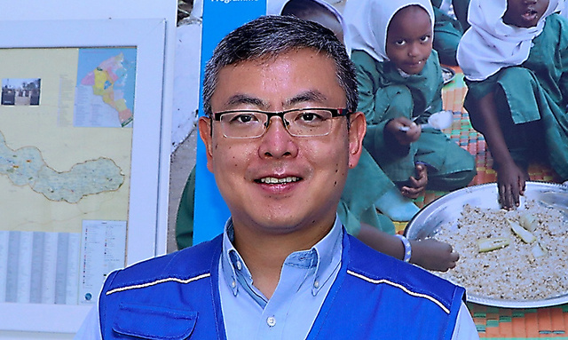 国連世界食糧計画(WFP)ガンビア事務所長の津村康博さん=WFP提供