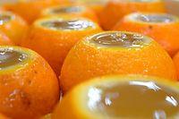 51)萩のナツミカン:冷ます前は液面が盛り上がっている=京都市上京区、豊間根功智撮影