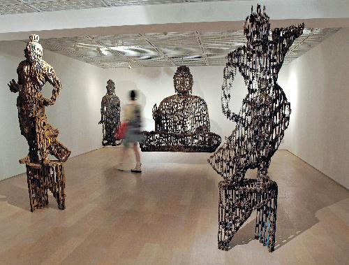 写真:本堀雄二展「紙の断層 透過する仏」=東京都中央区京橋3のINAXギャラリー