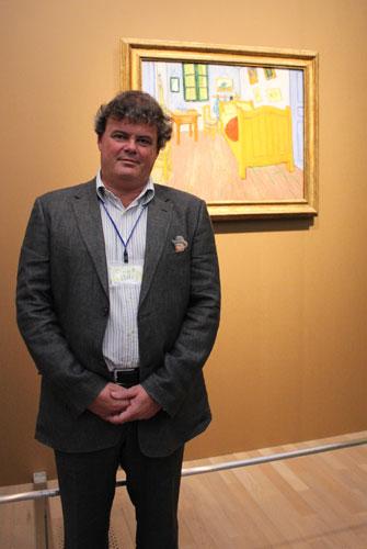 写真:今展覧会の企画構成を務めた前ファン・ゴッホ美術館主任学芸員のシラール・ファン・ヒューフテンさん
