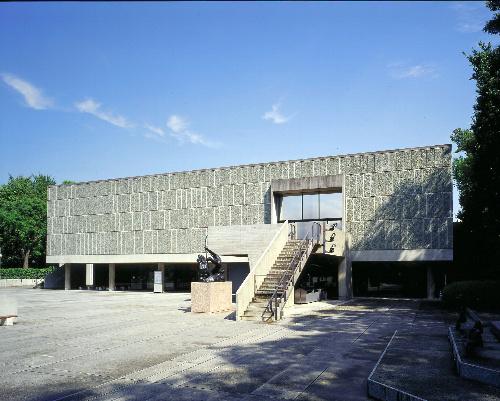 船と建物、見比べて 日本郵船歴史博物館「船→建築」展