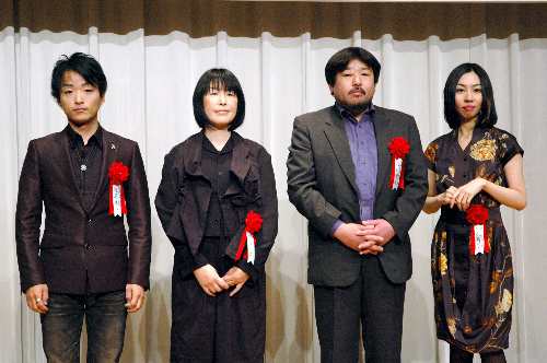 写真:右から朝吹真理子さん、西村賢太さん、木内昇さん、道尾秀介さん