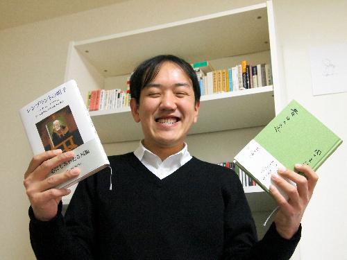 写真:夏葉社の島田潤一郎さんは、仲のよかったいとこを若くして事故で亡くした。「残された叔父と叔母を本で喜ばせたいという思いも」=東京都内