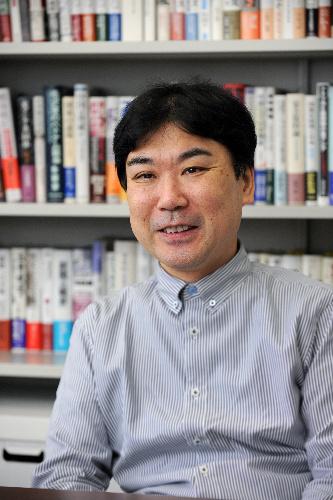 写真:井上寿一・学習院大教授=麻生健撮影