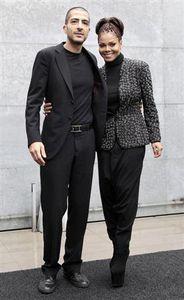 :2月25日、米歌手ジャネット・ジャクソン(右)が、交際相手のカタール人の富豪ウィッサム・アル・マナ氏(左)と昨年結婚していたことを明らかにした(2013年 ロイター/Alessandro Garofalo)