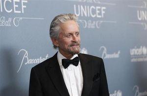 :1月14日、1998年から国連の平和大使を務める米俳優マイケル・ダグラスさん(69)が、国連児童基金(ユニセフ)から「ダニー・ケイ人道平和賞」を贈られた。米カリフォルニア州で撮影(2014年 ロイター/Mario Anzuoni)