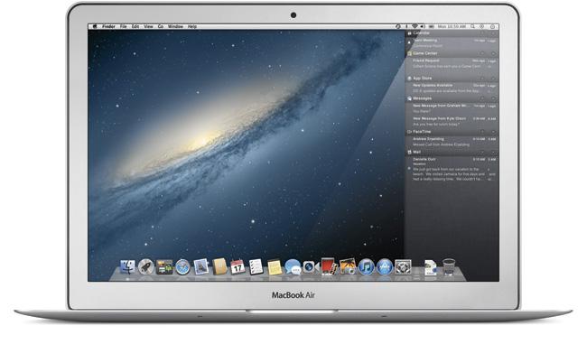 写真:画像3:新着メールや次の予定など、「通知」に関連する情報を表示する「Nortification Center」。iOSでは画面上から下に出てくるが、Mountain Lionでは画面右から現れる(アップル提供。開発中のプレビューバージョン(英語版)の画像です。実際の製品とは異なる場合があります)