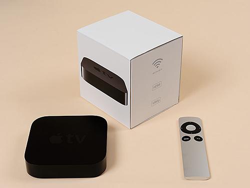 写真:写真3:新「Apple TV」(8800円)。デザイン・同梱品などは旧モデルと変わらず。性能はアップし、表示できる画像の解像度が1080Pになった(撮影:中村宏)