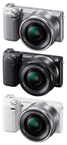 写真:NEX—5R(ソニー)ボディとパワーズームレンズのセット。約8万円(提供:ソニー)