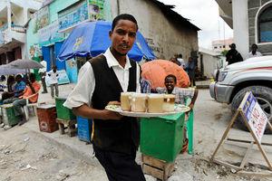 ソマリア・モガディシオのバカラ市場にて=10月30日、中野智明氏撮影