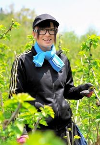 写真:「南三陸モアイ化計画」に関わった山内ナナさん=宮城県南三陸町、日吉健吾撮影