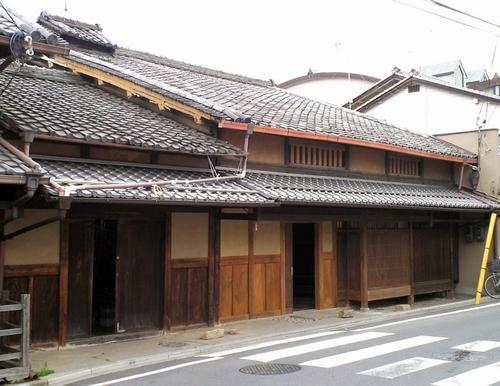 写真:龍谷大が新キャンパスとして改装する京町家=京都市伏見区、京都市提供
