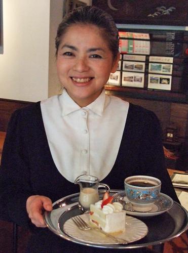 写真:「風見鶏」:ケーキセットが人気=太宰府市宰府の喫茶「風見鶏」
